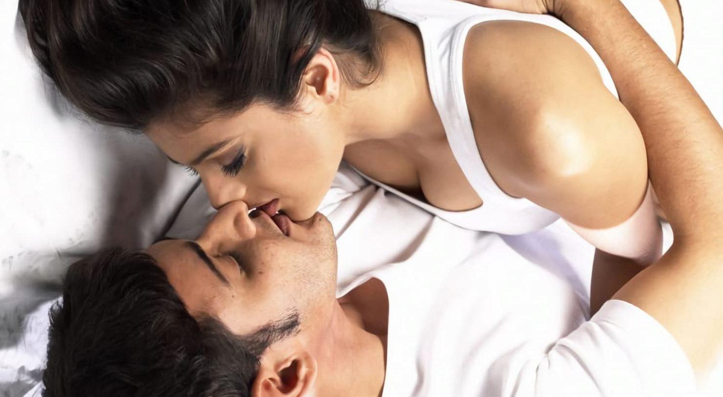 Hot lady kissing Bhubaneswar Male Escort
